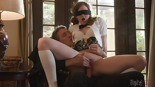 Blindfolded teen Devon Green did snivel expect a giant dick