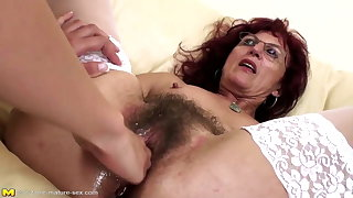 Deep fisting for sexy grown up mom's hairy pussy