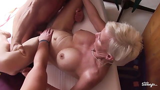 Reife Swinger - Sinful German threesome round mature swingers