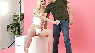 Stepbro Shoots Stepsis' Nudie Pics