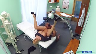 Nude amateur porn with a horny doctor and a mature main