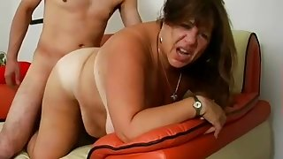 Tanned with the addition of fat cougar gets picked up with the addition of fucked