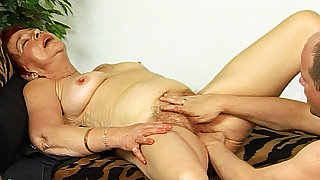 78 duration old mom tricky fisting lesson