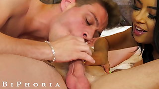 BiPhoria - Michael Del Ray Meets Wild Bisexual Span